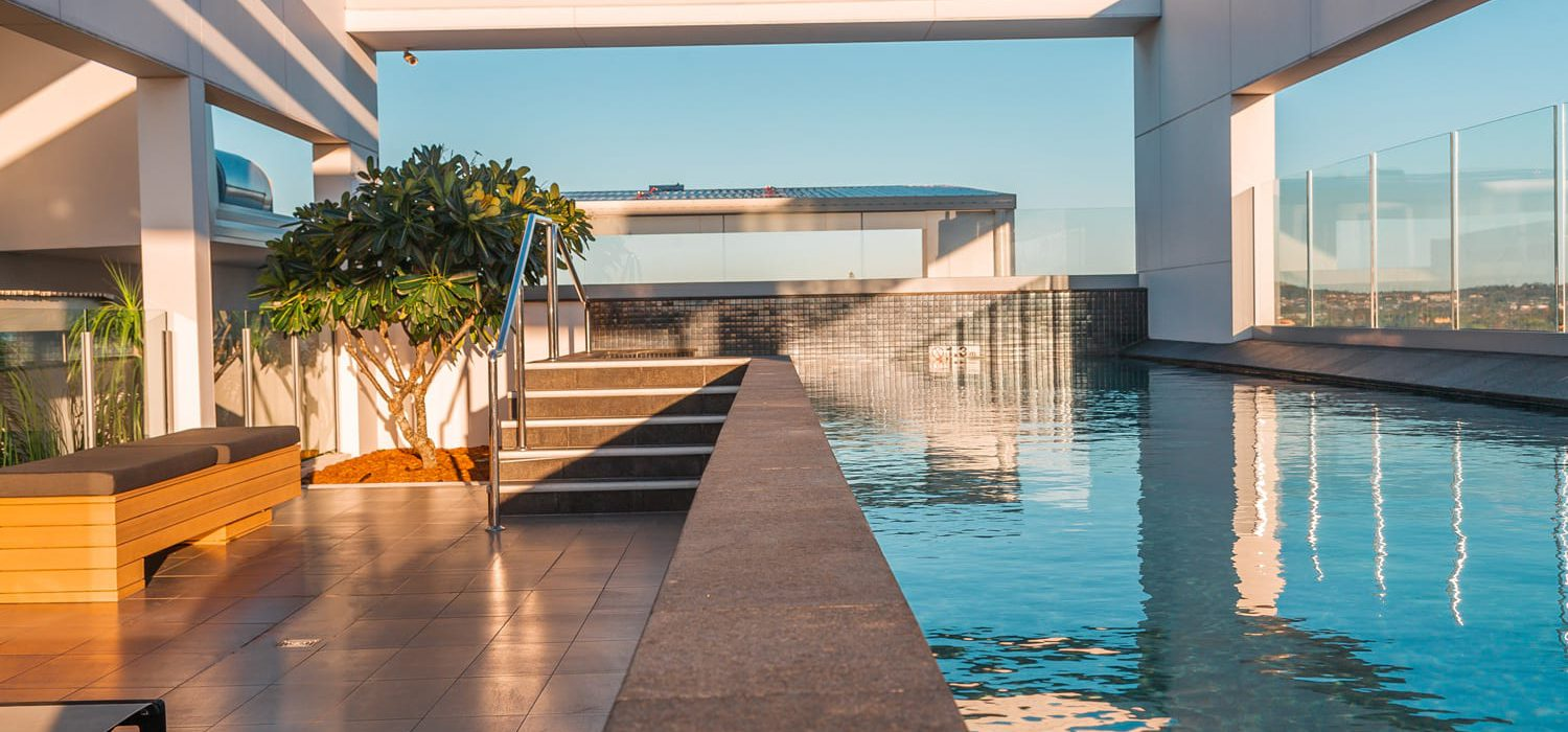alex-perry-rooftop-pool | Alex Perry Hotel & Apartments