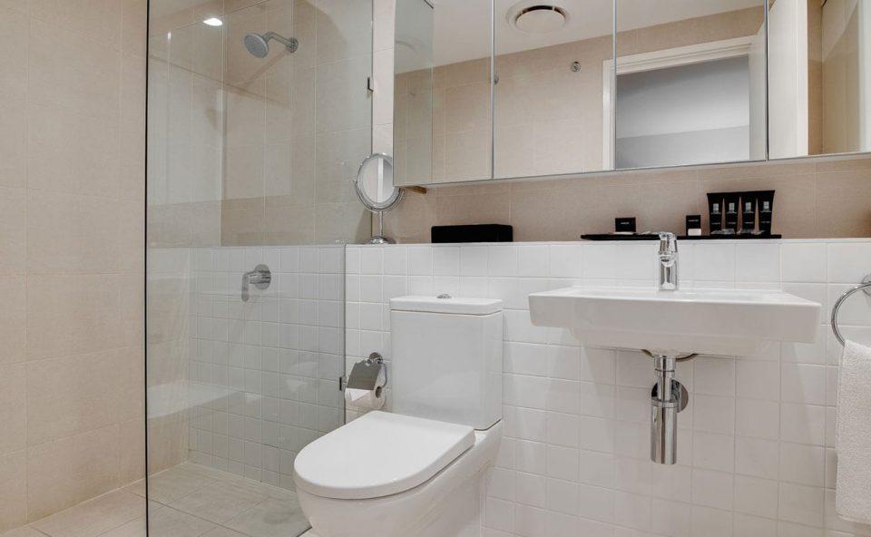 one-bedroom-executive-bathroom   Alex Perry Hotel & Apartments