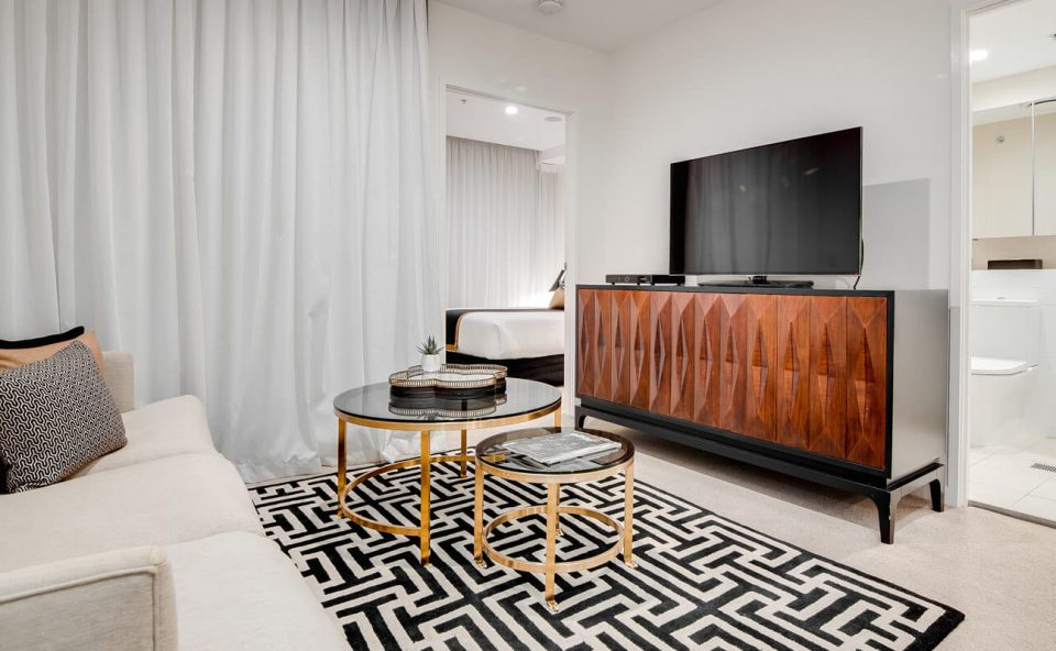 one-bedroom-executive-lounge-balcony | Alex Perry Hotel & Apartments
